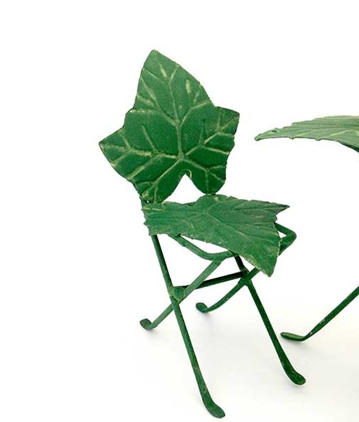 Miniature fairy garden ivy bistro set
