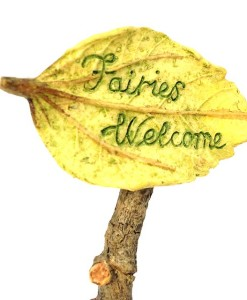Miniature fairy garden welcome sign